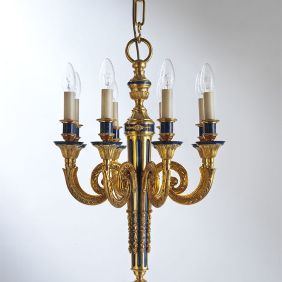 Art. 108/8 • Louis XVI style artistic chandelier, gilded and decorated bronze • Ø 46, H 65