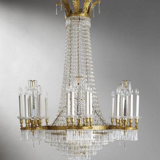 Art. 215/24 • Lampadario artistico Luigi XVI, bronzo dorato e cristalli di Boemia • Ø 110 H 150