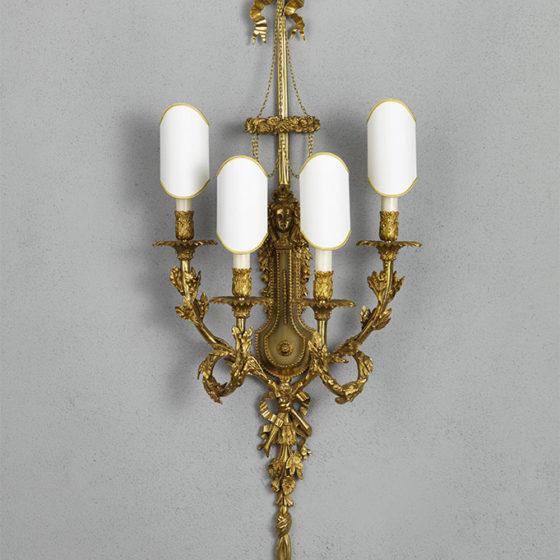Art. A144/4 • Applique Direttorio, bronzo cesellato e dorato • L 44, H 118