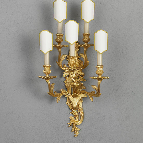 Art. A7/5 • Louis XV style wall sconce, gilded bronze • L 33, H 72