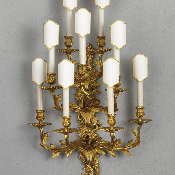 Art. A7/9 • Applique Luigi XV, bronzo dorato • L 50, H 92