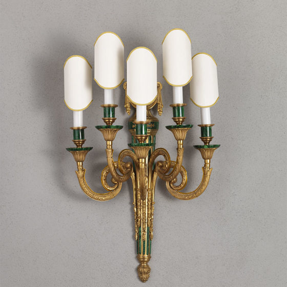 Art. A86/5 • Louis XVI style wall sconce, gilded and chiseled bronze with malachite • L 43, H 63