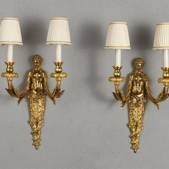 Art. A92/2 • Louis XVI style wall sconce, gilded bronze • L 29, H 44