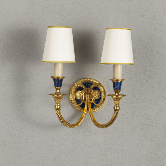 Art. A97/2 • Louis XVI style wall sconce, gilded and decorated bronze • L 31, H 31