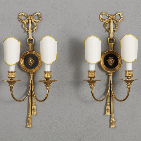 Art. A99/2 • Louis XVI style wall sconce, gilded bronze and enamel • L 25, H 55