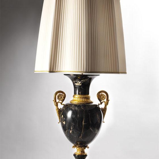 Art. L126/3 • Marble vase lamp • Ø 55, H 115