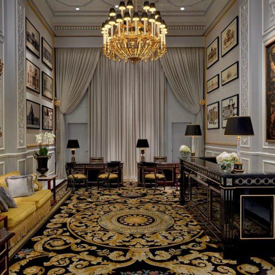 GHERARDO DEGLI ALBIZZI • Lampadari artistici • Hotel St Regis, Roma